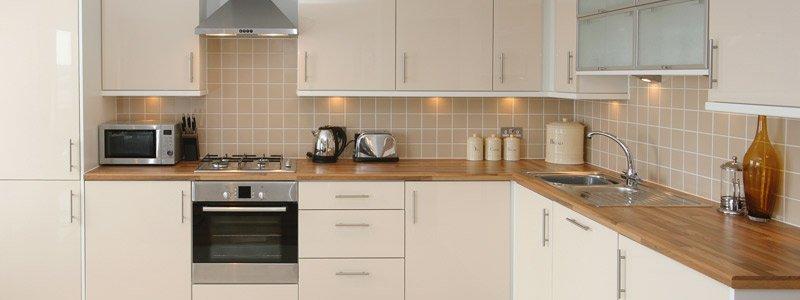 keukenkastjes vernieuwd in deze keuken