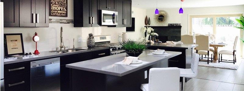 keukenkastjes gerenoveerd en overgespoten in lak