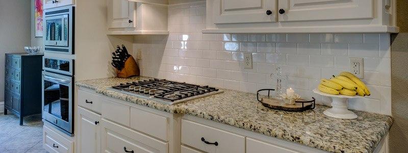 gerenoveerde keuken met frisse uitstraling